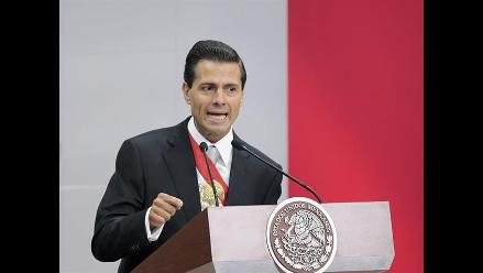 México: Peña Nieto ajusta presupuesto y mantiene reformas en su gestión